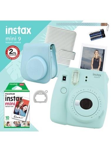 Fujifilm Instax Mini 9 Açık Mavi Fotoğraf Makinesi ve Hediye Seti 2 Mavi